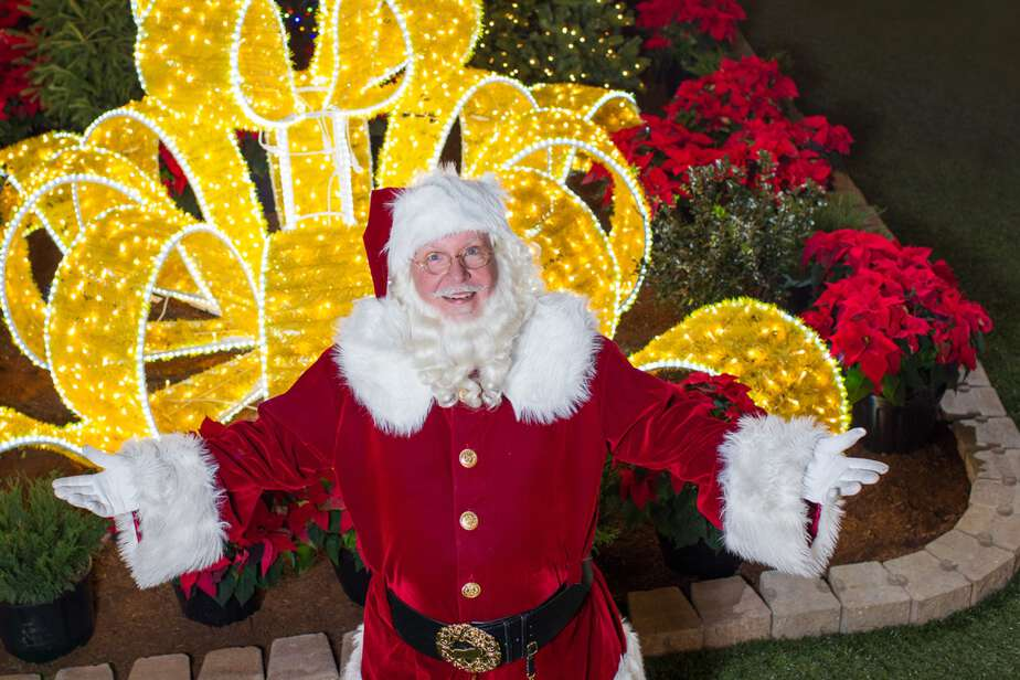 Santa Edmonton greets guests